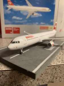 StarJets diecast 1:200 scale model Swiss  A321-111 Commercial Airliner HB-IOH