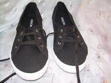 black canvas pumps lace up white sole comes with white or black laces size 7