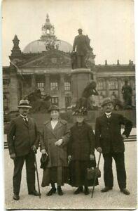 Orig. Foto-AK BERLIN, Leute vor altem Reichstag, Bismarck-Denkmal 10/20erJa.