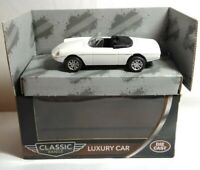 FUNTASTIC CLASSIC CARS 1:43 SCALE LUXURY CAR - WHITE - 125483 - BOXED