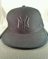 New York NY Yankees Black on Black Hat Cap City Hunter Fitted Size 7 MLB