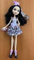 Ever After High Duchess Swan Doll Royals Signature Mattel