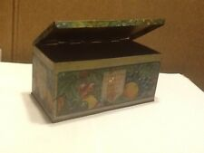 VINTAGE TIN HOSTESS HOLIDAY FRUIT CAKE HINGED LID