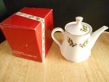 KASHIMA HAND DECORATED PORCELAIN TEA COFFEE POT - HOLLY BERRY - JAPAN
