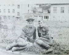 📸 Couple Guys Soldiers Army Men Sitting Military uniform vintage photo Gay Int