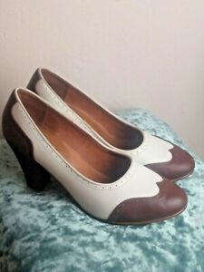 PEGGY 1940S SPECTATOR PUMPS (BROWN/WHITE) Royal Vintage American Duchess Shoes 9