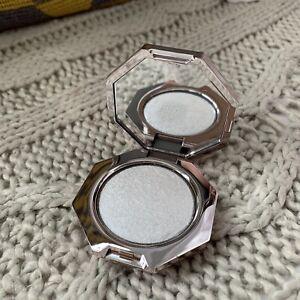 FENTY BEAUTY Mini Diamond Bomb Highlighter - HOW MANY CARATS?!