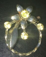 On Silvertone Ring - Moving Parts- Pretty Vintage Brooch/Pin - Flower & Leaf