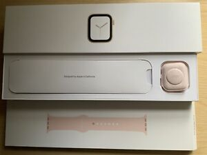 Apple watch series 4 40mm Gold Aluminuim Pink Sand Sports Band