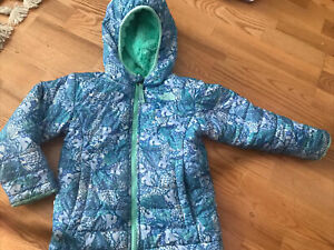 The North Face Girls Reversible Jacket 4T