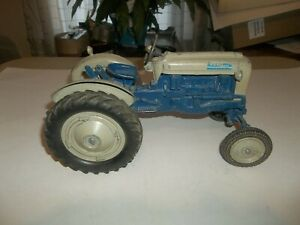 Vintage 1/12 Hubley Ford 4000 Farm Toy Tractor Wide Front 3 Pt. Diecast !