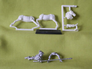 A34  WARHAMMER EMPIRE KNIGH 1ST VERSION WHITE WOLF  METAL MODEL 1980S OOP