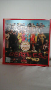 COFANETTO CD. THE BEATELS SGT.PEPPER'S LONELY HEARTS CLUB BAND