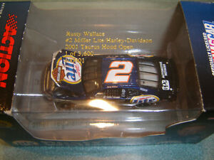 Rusty Wallace #2 Miller Lite / Harley Davidson 2001 Action H/O 1/64 Diecast