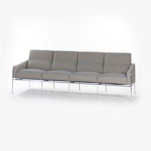 1957 Arne Jacobsen Fritz Hansen of Denmark Sofa Model 3300/4 4-Seat sofa Knoll