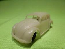 PLASTIC PLASTIK VW VOLKSWAGEN KAFER - 1:65 -  WHITE - GOOD CONDITION -