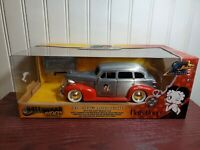 Jada Hollywood Rides 1939 Chevy Master Deluxe Betty Boop 1:24 Scale Diecast Car