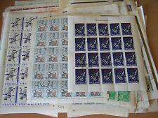 50 differenti fogli completa di francobolli del mondo, lotto eccellente.