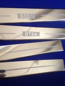 St24 Mondeo Türschwelle Scheuerblech Edelstahl Aufgeraut Logo Kick Verkleidung