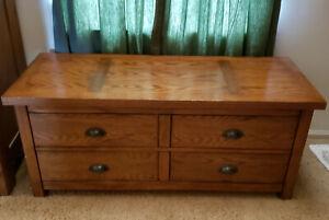 Wooden Trunk (Storage, bench)