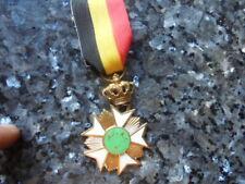 belle medaille emaillée belge origine ??