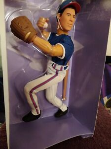 "GREG MADDUX 12"" IN TALL1997 STARTING LINE UP ACTION FIGURINE, LIFE-LIKE & FUN!"