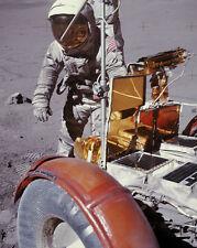 Apollo 17 Harrison Schmitt mit Lunar Rover 8x10 Silber Halogen Fotodruck