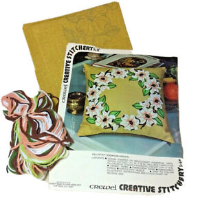"Dogwood Wreath Crewel Embroidery creative stitchery kit pillow size 13"" 782A new"