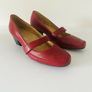 Hush Puppies NEW Red Leather Mary Jane Court Shoe Size 39 Comfort Floral Cut Out