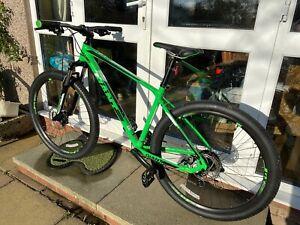 Men's Giant ATX 2 Mountain Bike Medium Frame ** Perfect Condition **