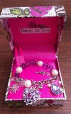 Betsey Johnson charm heart bracelet, in silver tone