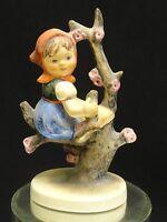 FABULOUS HUMMEL GOEBEL APPLE TREE GIRL FIGURINE 141 3/0 TMK3 * W. GERMANY