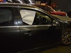 FORD FALCON RIGHT FRONT DOOR WINDOW FG, 05/08- 08 09 10 11 12 13 14 15 16