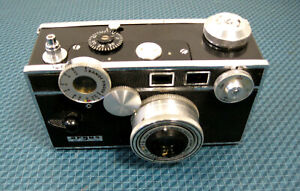Vintage Argus 35 mm Camera with 50 mm Cintar Lens and Leather Case C3