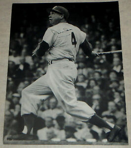 DUKE SNIDER  autographed 9x12 Magazine picture (Brooklyn Dodgers)