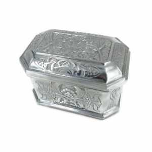 large solid aluminum engraved box with lid and red velvet lined heavy 8' inch