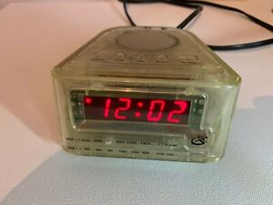 Vintage GPX Prison Jail Issue Clear See Through AM/FM Personal Radio Clock