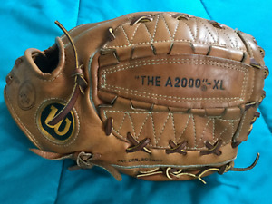 WILSON A2000XL MADE IN USA USED GLOVE IN SUPERB CONDITION