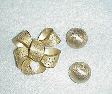 GIOVANNI BOW KNOT.MARKED EACH RIBBON.GOLD TONES. OLDER PIN, & BERGERE' EARRINGS!