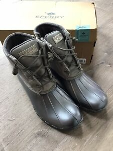 Sperry Top Sider Saltwater Pearlized Gray Duck Boots Women's Size 9- STS81674