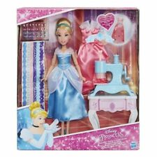 Hasbro B6908 Bambola 30 cm Principessa Disney Cenerentola Macchina Da Cucire Ves
