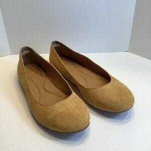 Born Adour Suede Flats, Women's Size 8M,  Honey Gold, NEW