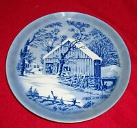 """The Old Homestead in Winter COLLECTOR PLATE - VINTAGE- 8 1/4"""" D"""