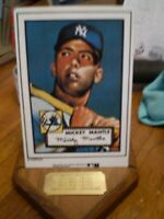 TOPPS PORCELAIN BASEBALL CARD MICKEY MANTLE OF NEW YORK YANKEES CARD