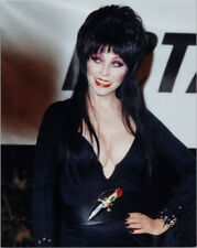 Elvira Cassandra Peterson busty pose hand on hip 8x10 1985 press photo at event