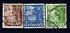 DENMARK - DANIMARCA - 1933-1940 - Caravella con vela ombreggiata e fondo quadret