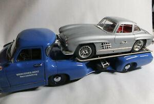 CMC 1:18 Scale Mercedes Benz 1954 Renntransporter M-036Boxed