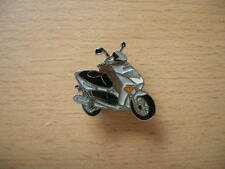 Pin badge Aprilia Leonardo 125 roller scooter 0660