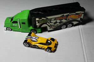 Hot Wheels Rally D'Italia Truck 27 Green and Black with Car