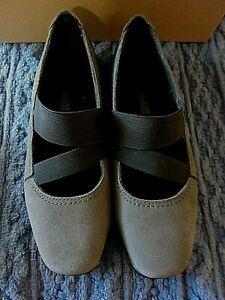 Clarks Haydn Juniper Suede Mary Jane Shoes Women's Size 7.5M - Gray